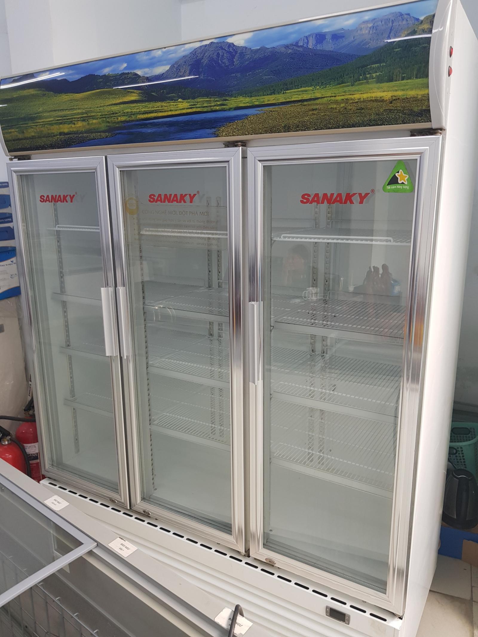 Tủ mát Sanaky 3 cánh, dung tích 1500 lít, dàn đồng.