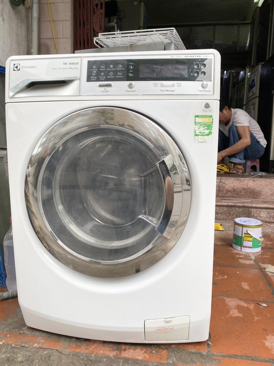 Máy giặt cửa ngang ELECTROLUX INVERTER giặt 10kg / sấy 7kg